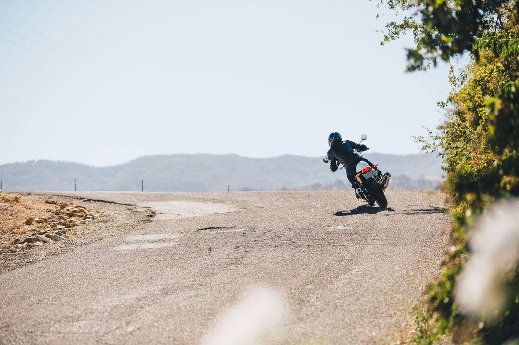 motorcycle braking safety tips