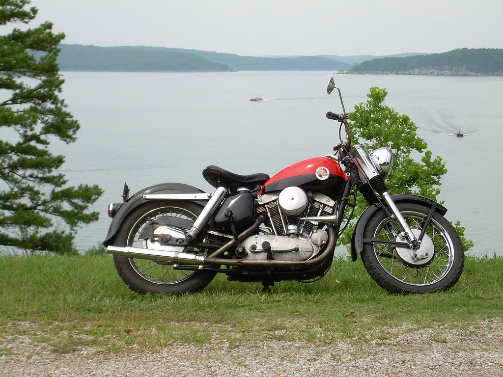 The new configuration gave birth to the 883 Sportster as we best know it.