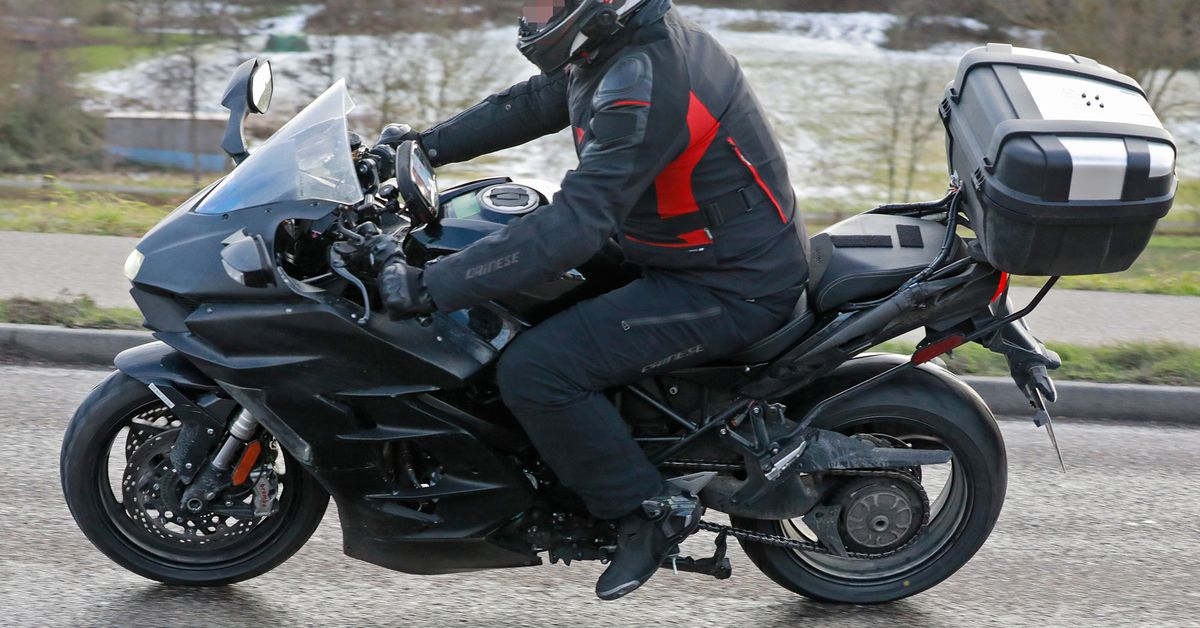 Kawasaki H2 SX 2022 года выходит из строя