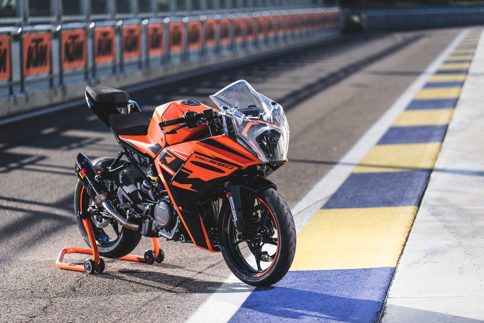 The all-new 2022 KTM RC 390 boasts significant updates to its chassis and first-in-class electronic rider aids, boosting its performance on the road and track.