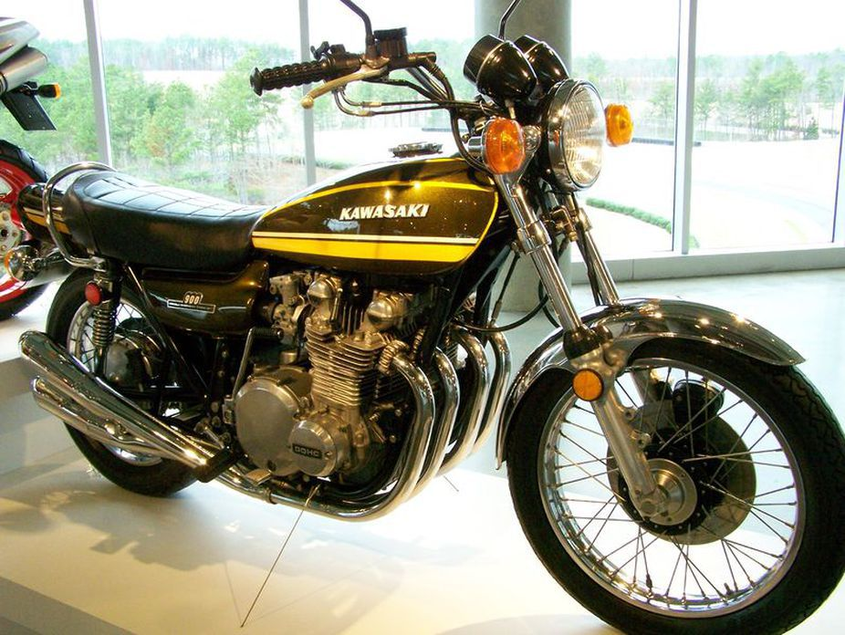 Kawasaki's early big four-strokes like the Z1 continued to use a crankshaft turning on traditional rolling bearings.