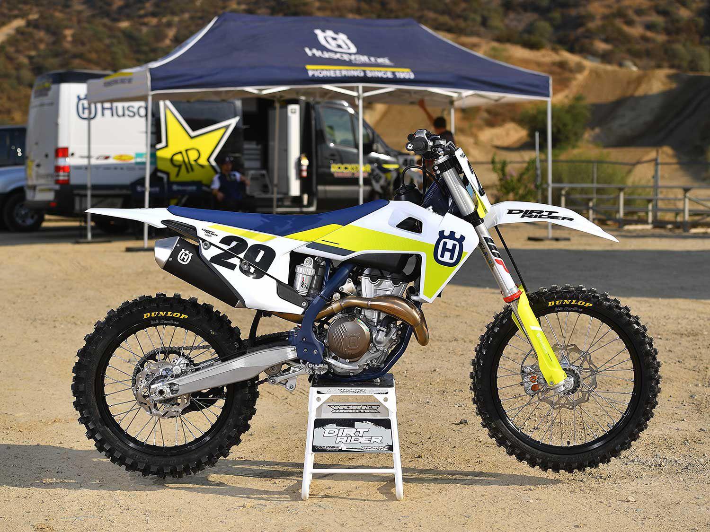 The FC 350 is Husqvarna's middleweight four-stroke motocross bike.