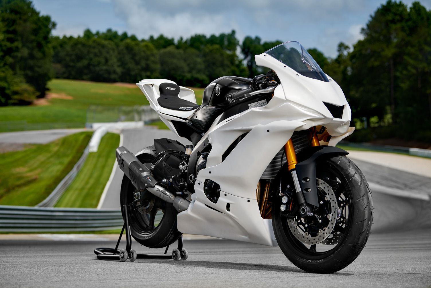 The R6 returns for 2022 as the track-only YZF-R6 GYTR, available in limited numbers.
