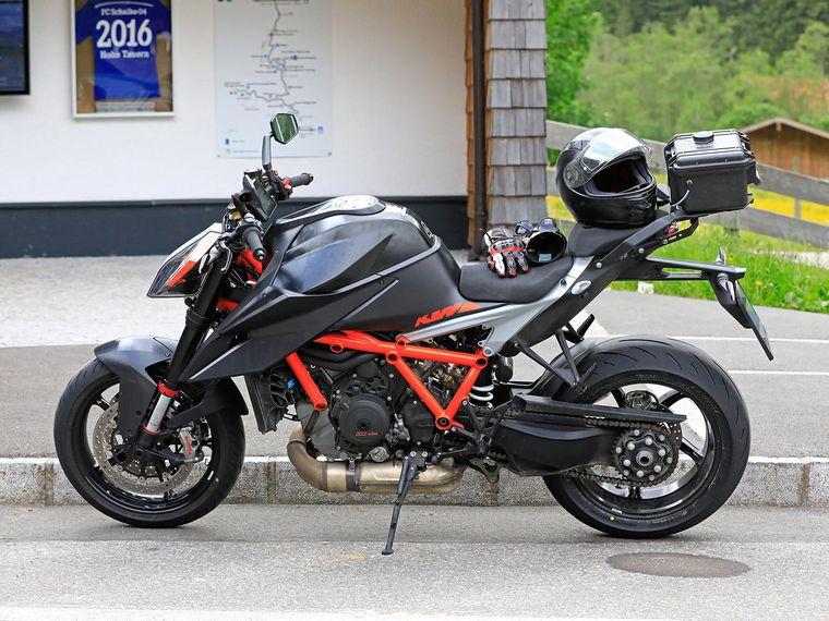 Ktm 1290 Super Duke R >> 2020 Ktm 1290 Super Duke R Spied Cycle World