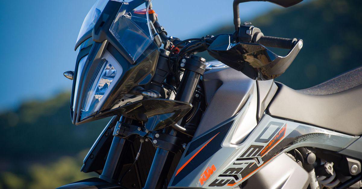 KTM Announces Base-Model 890 Adventure