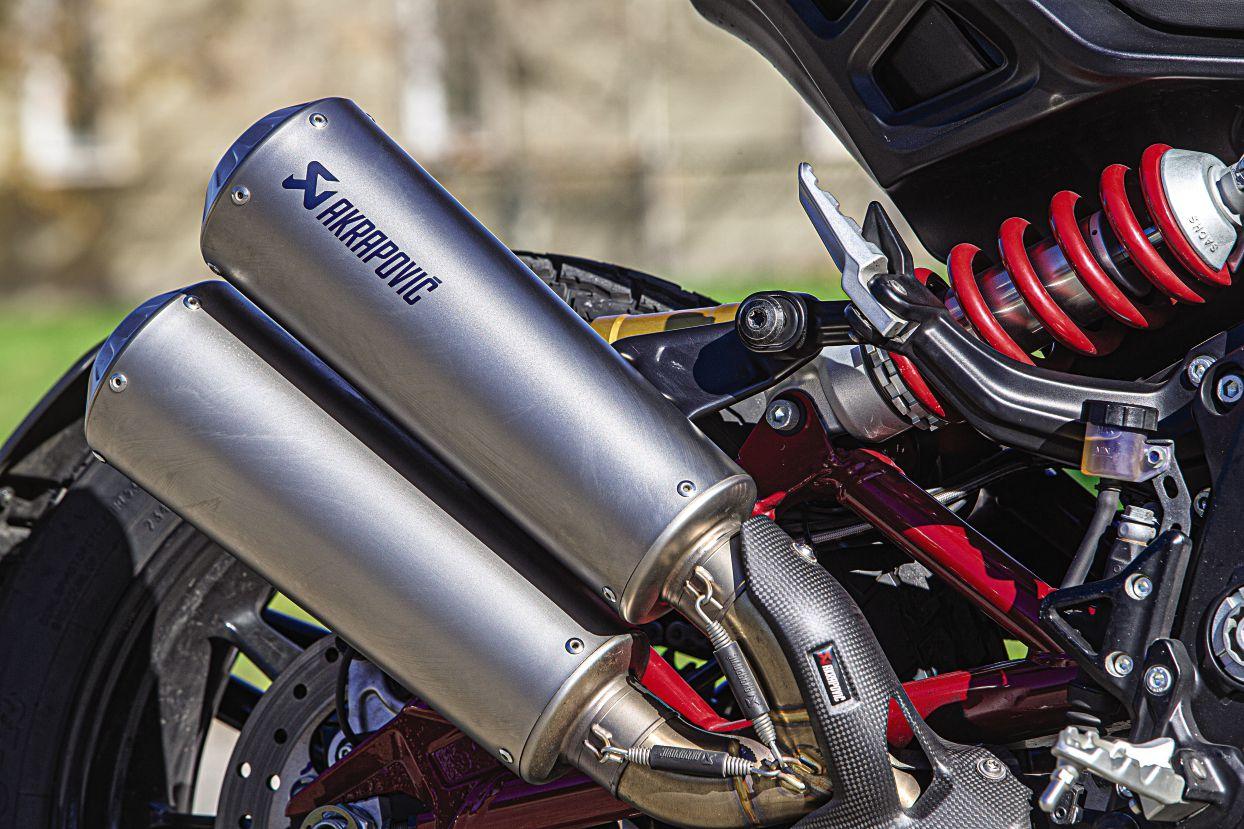 Akrapovič exhaust adorns our FTR 1200 S Race Replica.
