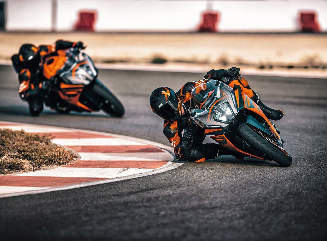 The KTM RC 390 gets a complete redesign for 2022, with a new frame, TFT color dash, and electronics being the headline features.