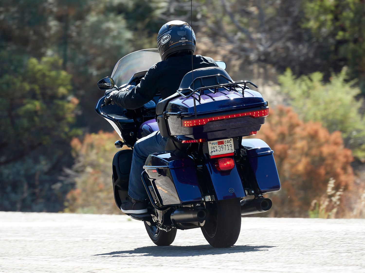 The Road Glide Limited retains luxurious goodness as its mantra, with touring amenities like a premium Tour-Pak luggage carrier to contribute to the claimed 4.7 cubic feet of capacity.