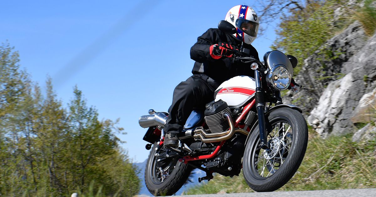 Moto Guzzi V7 II Stornello FIRST RIDE Review | Cycle World