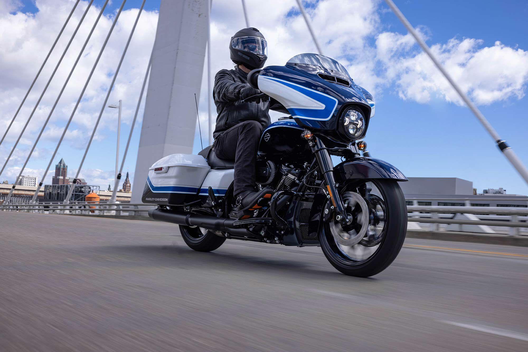 Limited to only 500 serialized units worldwide, contact your local dealer to check on the new 2021 Arctic Blast Street Glide Special's availability.