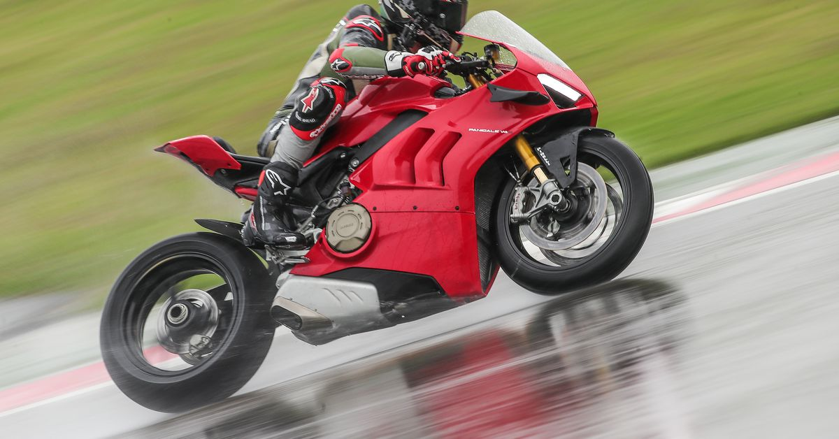 2020 Ducati Panigale V4 S Review First Ride