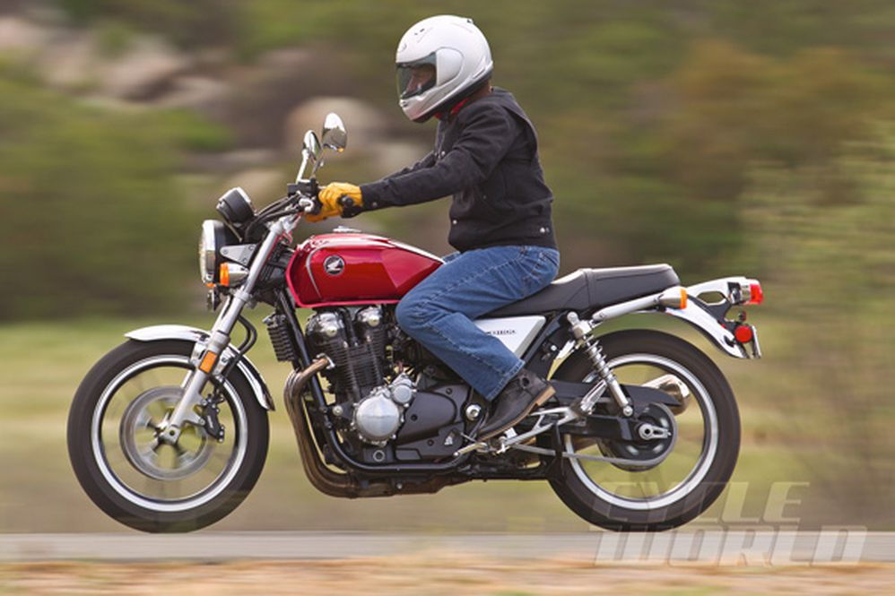 2013 Honda CB1100- Road Test Review- Photos- Specs | Cycle World