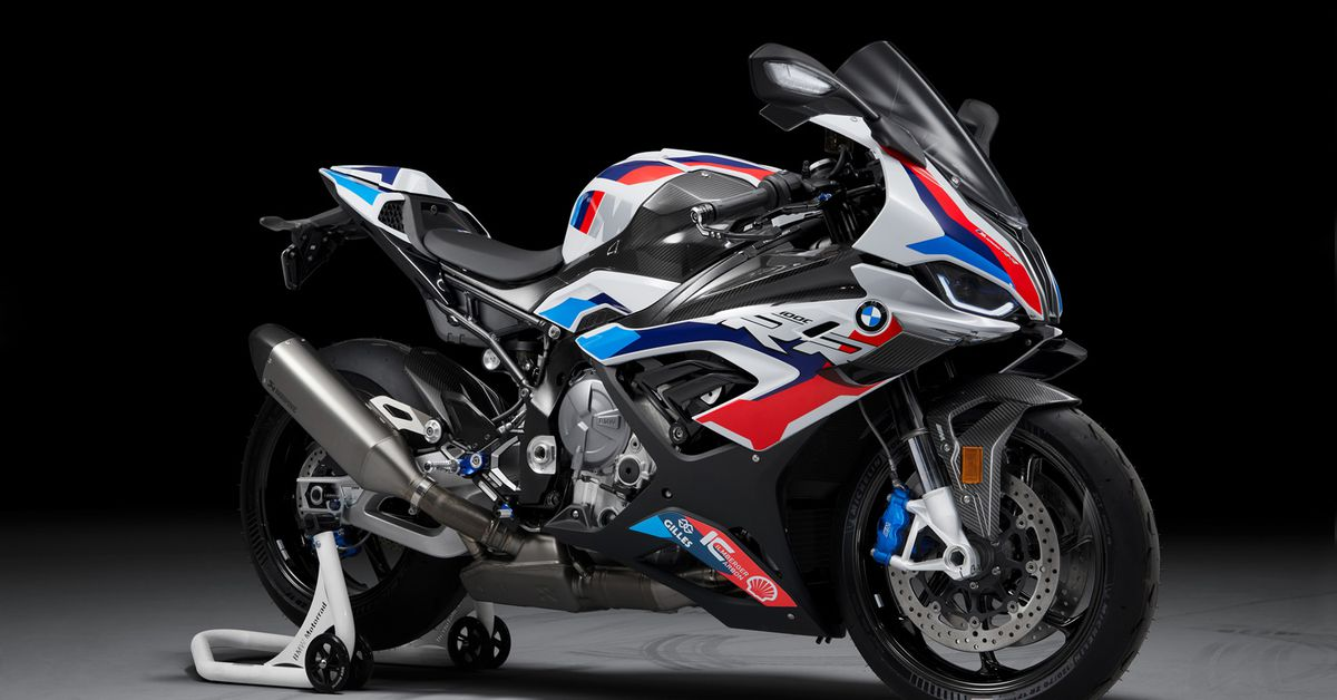 2021 BMW M 1000 RR First Look