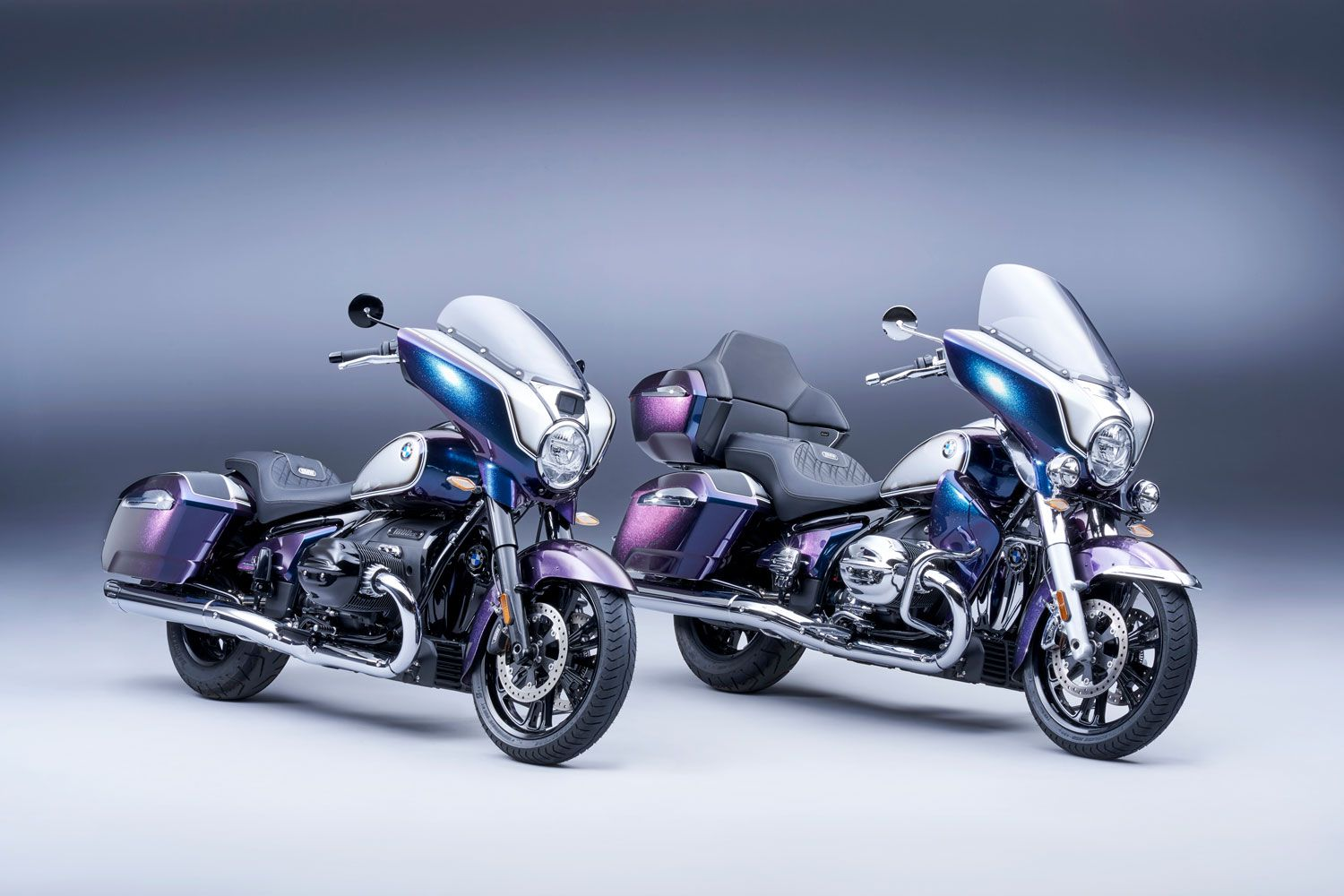 The 2022 BMW R 18 B and R 18 Transcontinental dressed in Option 719 Galaxy Dust metallic paint.