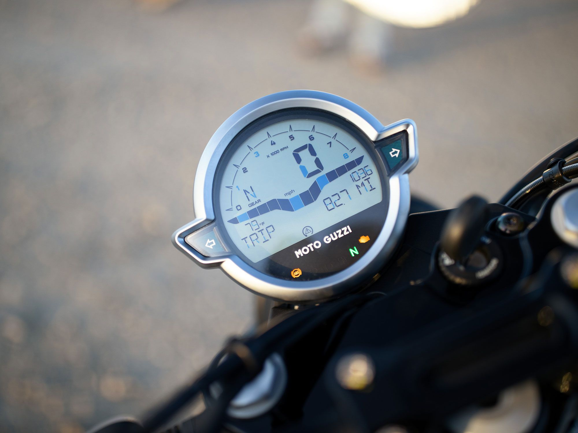 An all-new digital gauge on the V7 Stone, matching the shape of the new headlight.