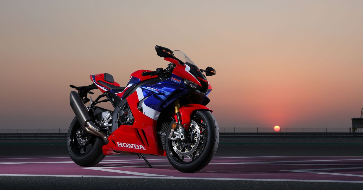 2020 Honda CBR1000RR-R Fireblade SP First Ride