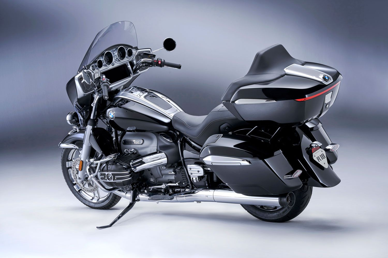 The Transcontinental's top case is decoupled from the rest of the bike to reduce vibration.