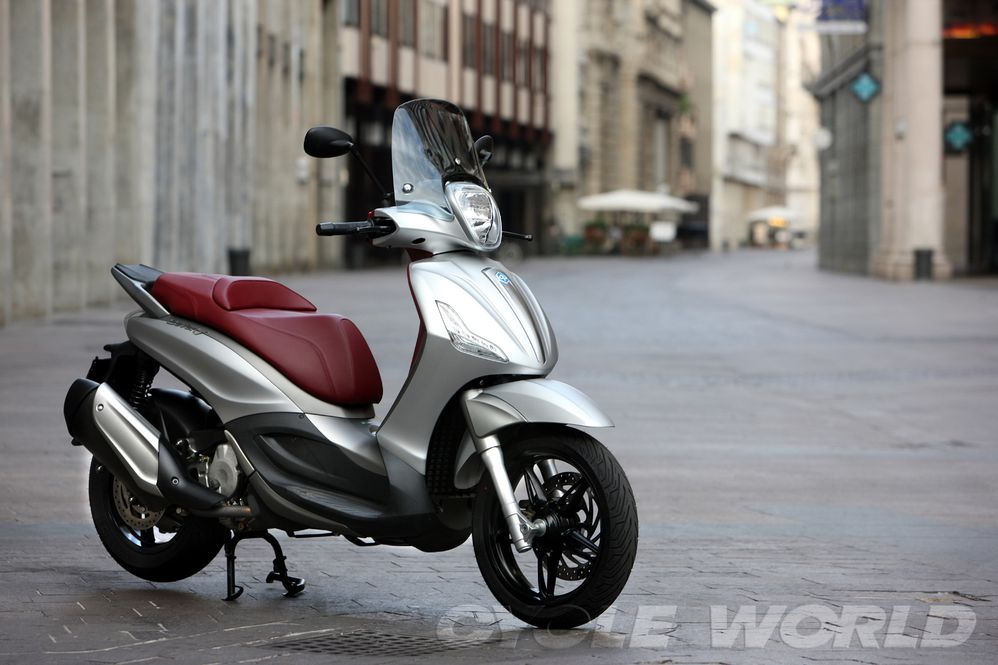 2012 Piaggio Beverly Sport Touring First Ride Review