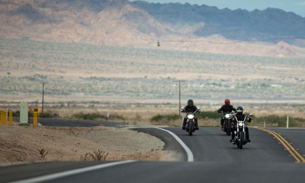 California Cruising On The Harley-Davidson Street Bob, Triumph