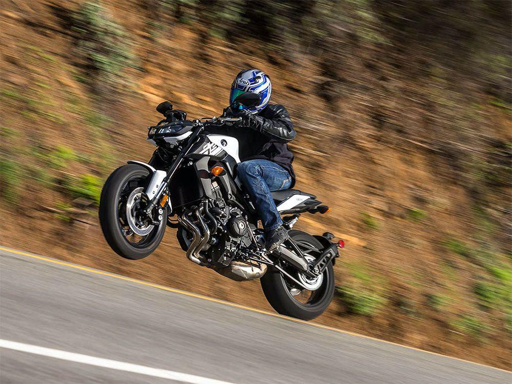 2017 Yamaha FZ-09 Favorites & Fails   Cycle World