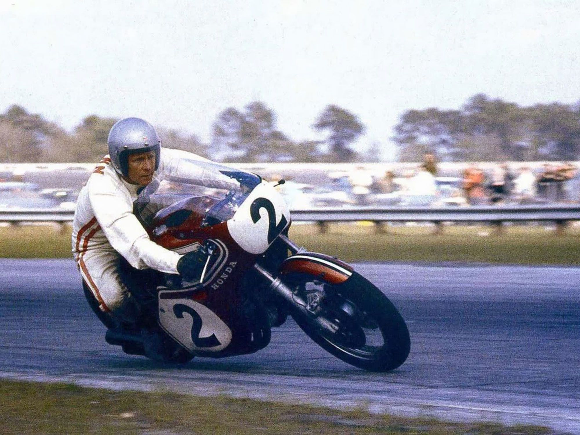 Dick Mann smartly rode his Honda CB750 inline-four to the 1970 Daytona 200 win.