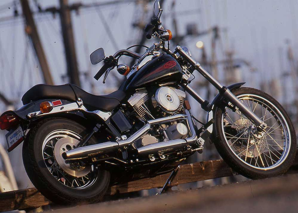 Riding Impression Of The 1999 Harley-Davidson FXST Softail