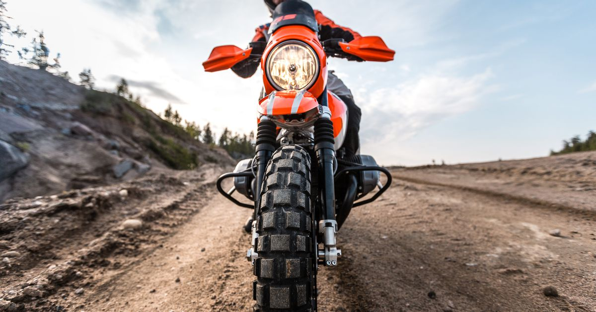 BMW Introduces Dakar Rally Themed Concept Bike
