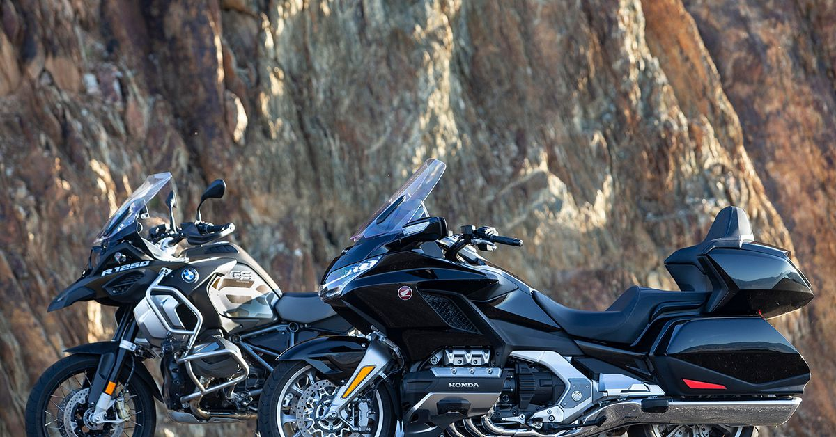 2019 Honda Gold Wing Tour vs. BMW R 1250 GS Adventure