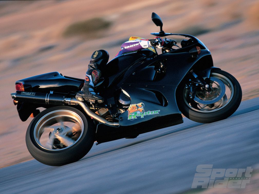 SR Archive: Muzzy Raptor 850 Streetbike Test | Cycle World