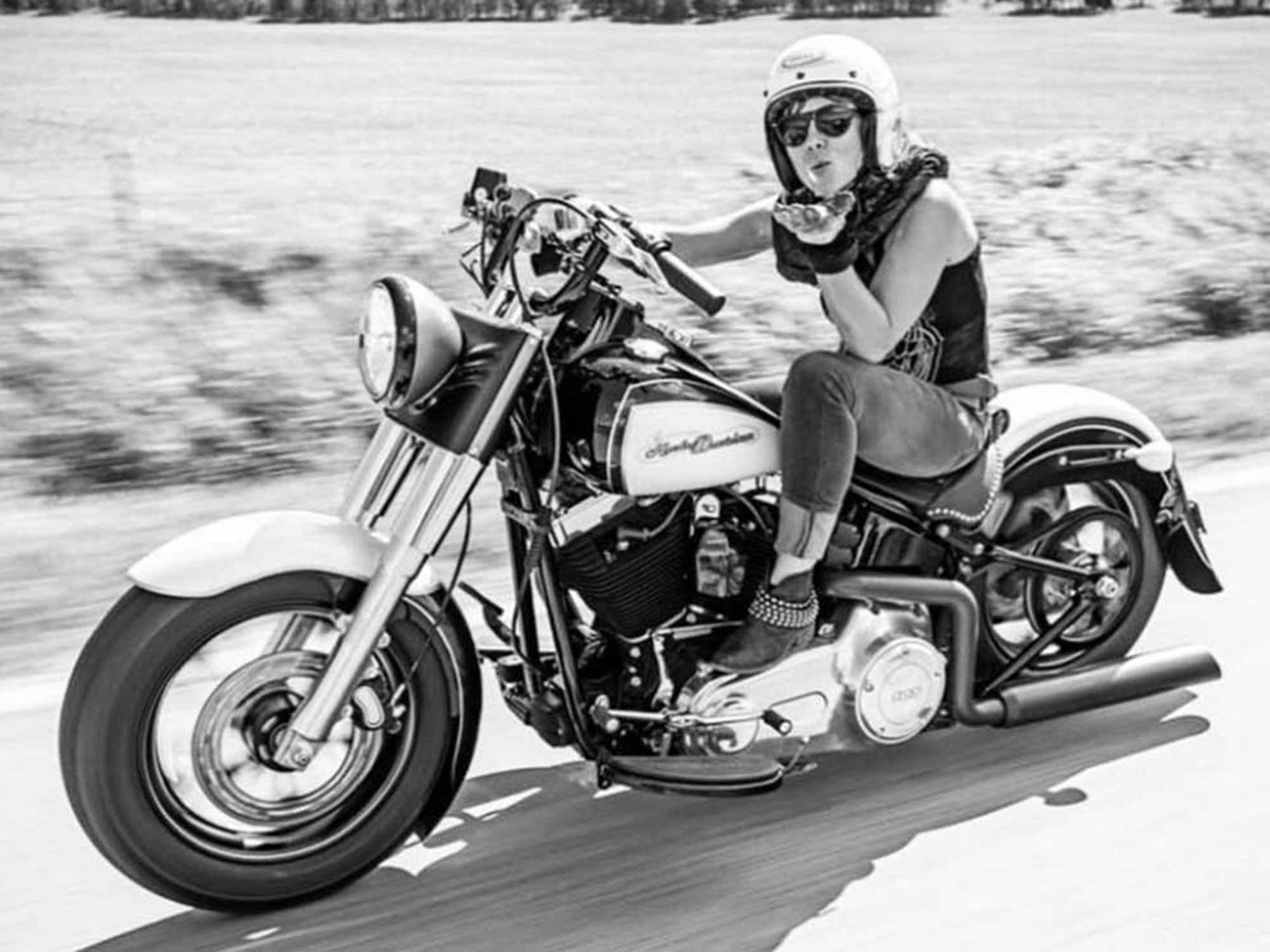 A year after her crash in the Oregon desert, Guinness awards Jessi Combs the fastest land-speed record.